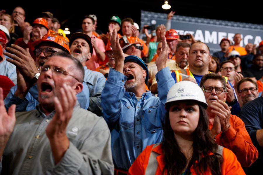 Trump hails Illinois steel mill as an economic success story