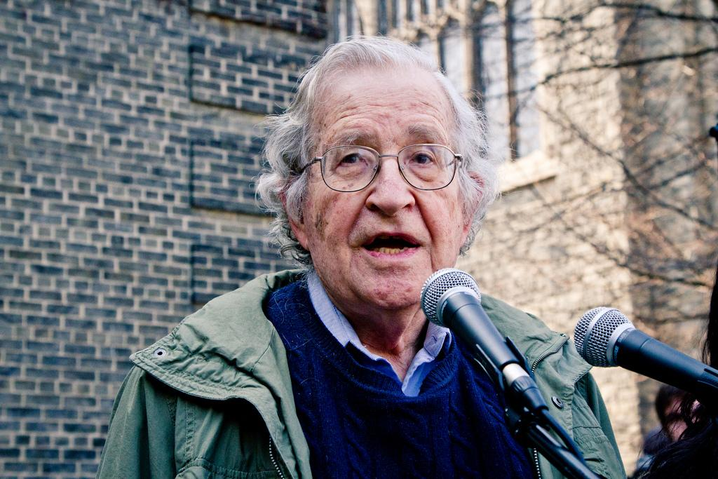 """Noam Chomsky: Israeli interference in US """"overwhelms anything"""""""