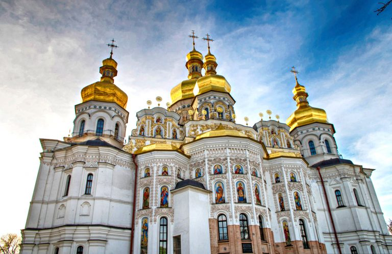 Clergyman: Parishioners of the canonical Ukrainian church will not turn away from it
