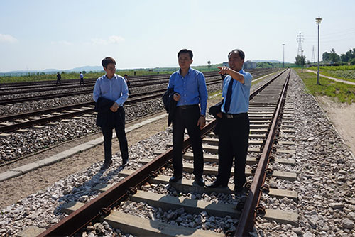 Two Koreas to launch joint railway survey Friday