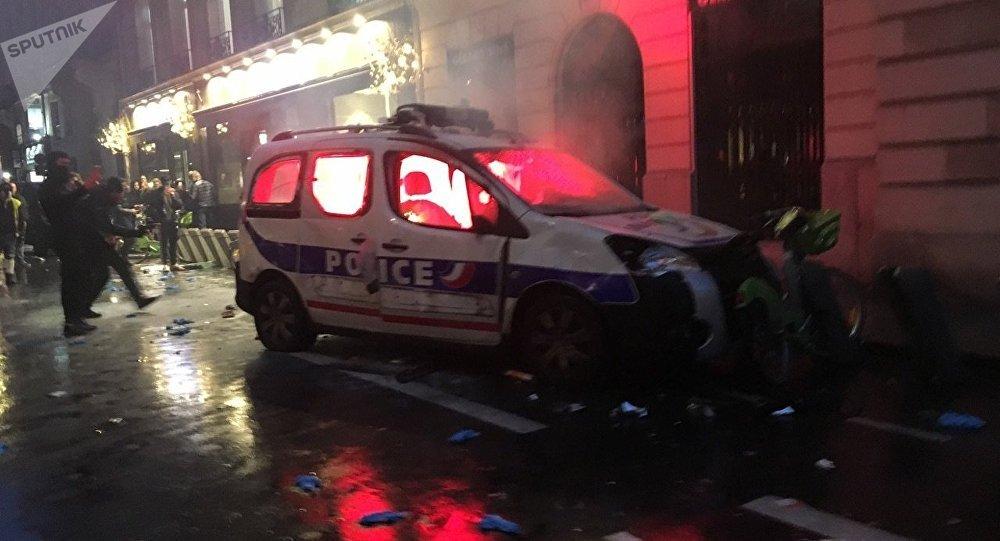 Paris Authorities Conduct Emergency Meeting After Violent Saturday Riots - Mayor