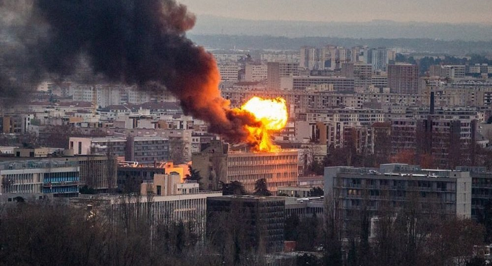 Powerful Gas Explosion Reportedly Rocks Scientific Library in Lyon, France