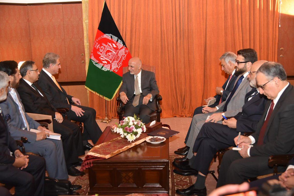 Afghan leader in Pakistan to talk ties, peace with Taliban