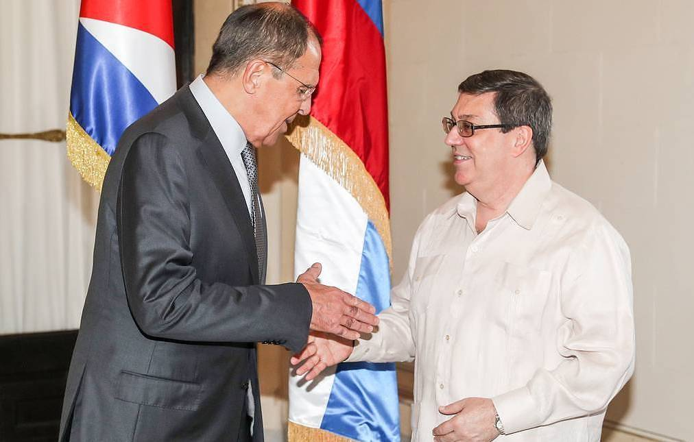 Russia to continue boosting military technical and economic cooperation with Cuba