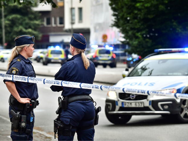 Sweden: Female Cops Told to Submit to Islamic State or Be Raped