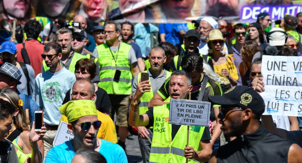 Yellow vests demonstrators gather in Paris for 38th consecutive week of protests