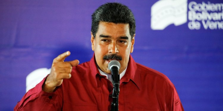 Maduro Pledges to Send Letter Against US Sanctions Signed by Millions of Venezuelans to UN