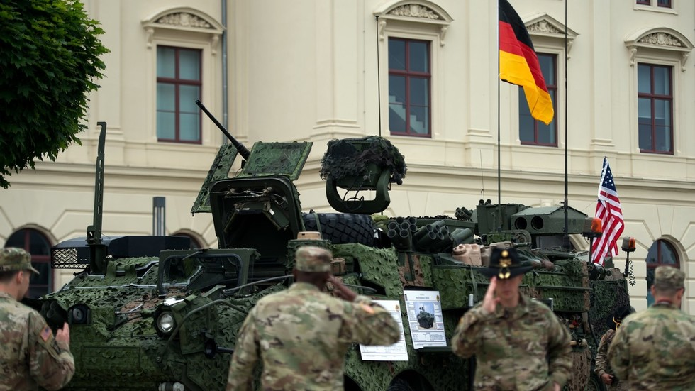 US needles Berlin with threat to relocate German-based troops to 'welcoming' Poland