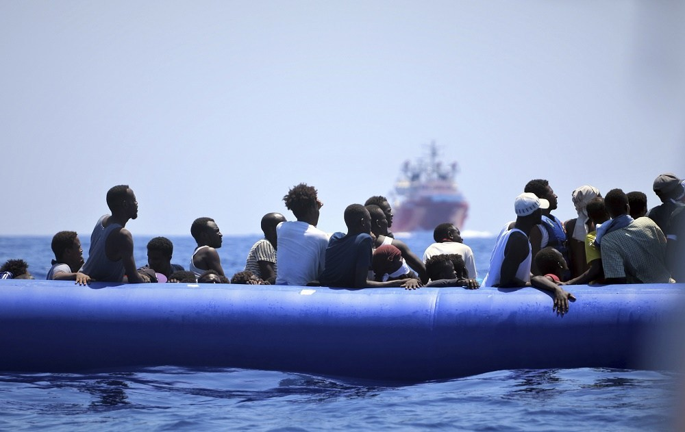 Migrant rescue ship heads for Italy after judge overrules Salvini
