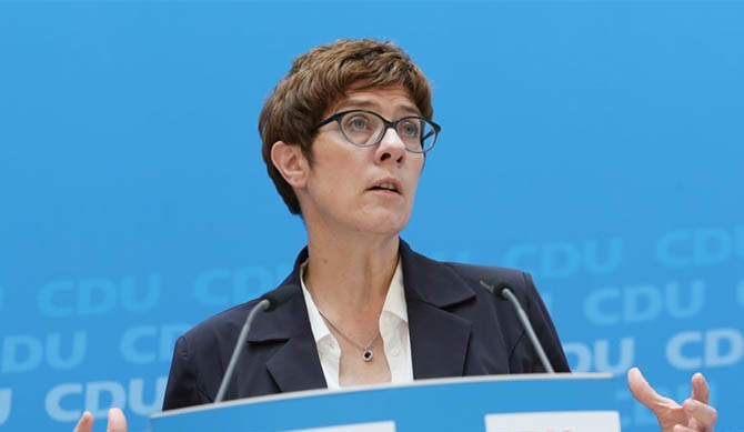 Germany's defense minister makes statement pleasing to Washington
