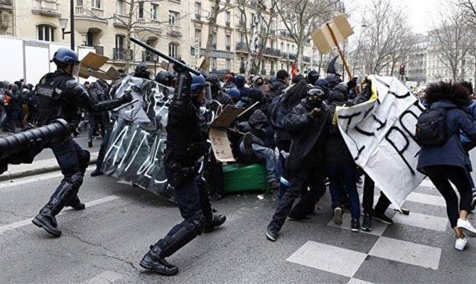 Student protests in Athens escalated into massive brawls with police