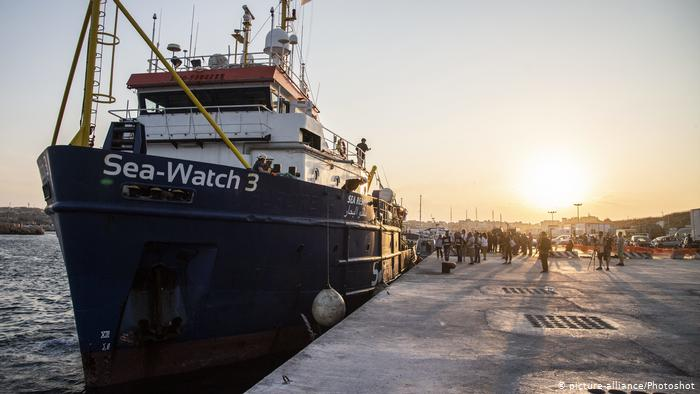 Refugees from Sea-Watch 3 arriving in Germany