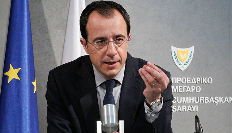 Cyprus does not intend to buy arms from the United States after the lifting of the Washington embargo