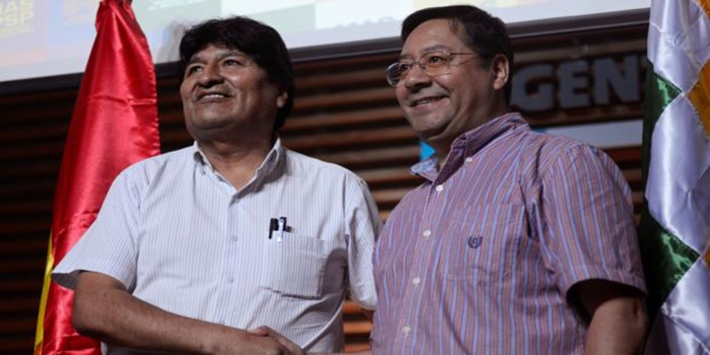 Evo Morales' lawyer has requested asylum at the embassy of Argentina in La Paz