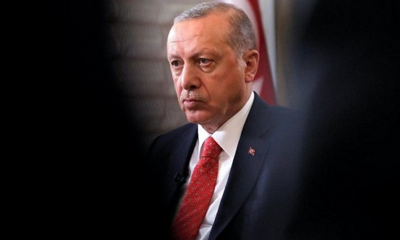 Erdogan leads the game on the verge of a foul