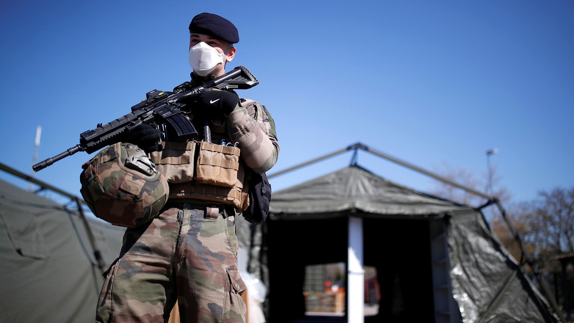 Coronavirus pandemic: Lithuanian authorities are ready to sacrifice foreign fighters in a rush of Russophobia