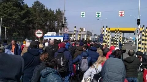 "Thousands of Ukrainian citizens ""break through"" across the Polish border"