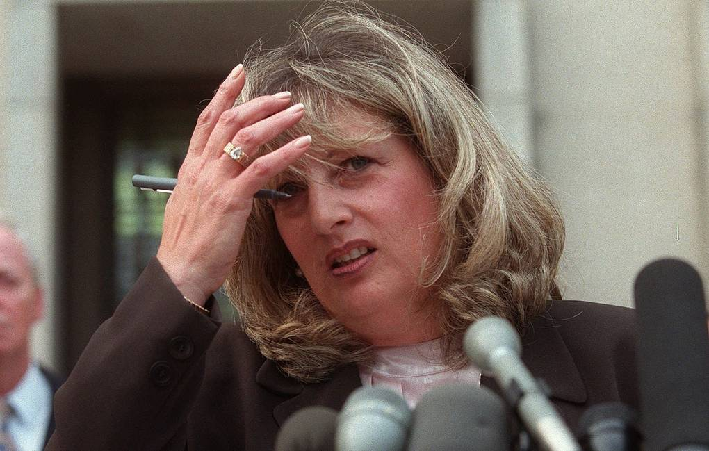 In the U.S., one of the key figures in the Clinton-Lewinsky scandal died