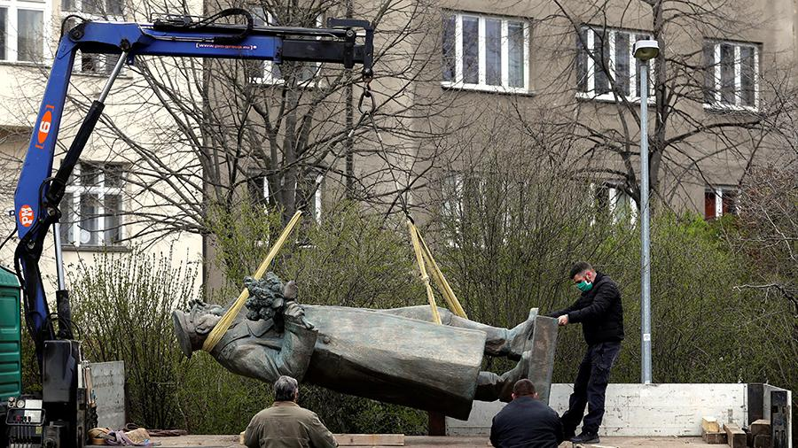 US would prefer to demolish Czech president, but so far has only demolished monument to Marshal Konev