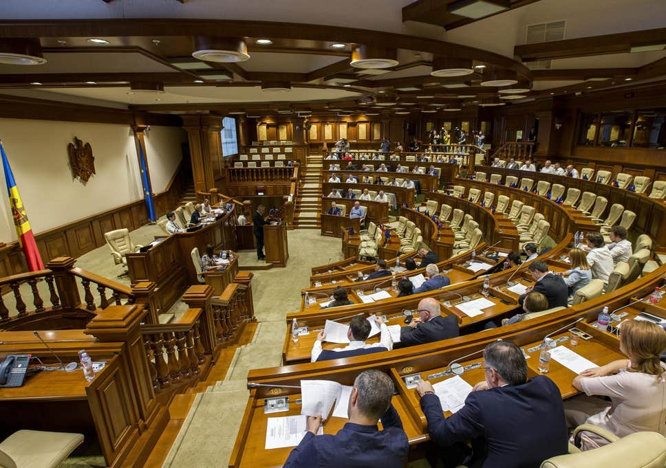 Pro-Western coalition is formed in Moldova at the cost of suffering of ordinary citizens