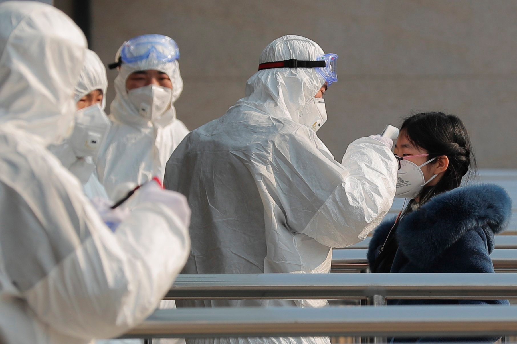 Mankind is fighting a deadly virus - Polish strategists still consider Russia the main threat