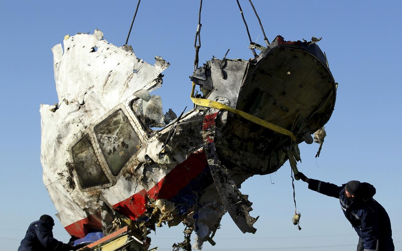 The U.S. helped Bellingcat accuse an FBI general of the MH17 crash