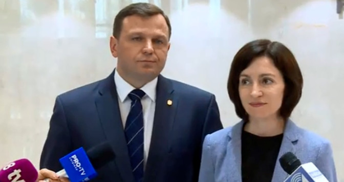 """Sandu and Nastase decided to """"be friends against"""" Dodon"""