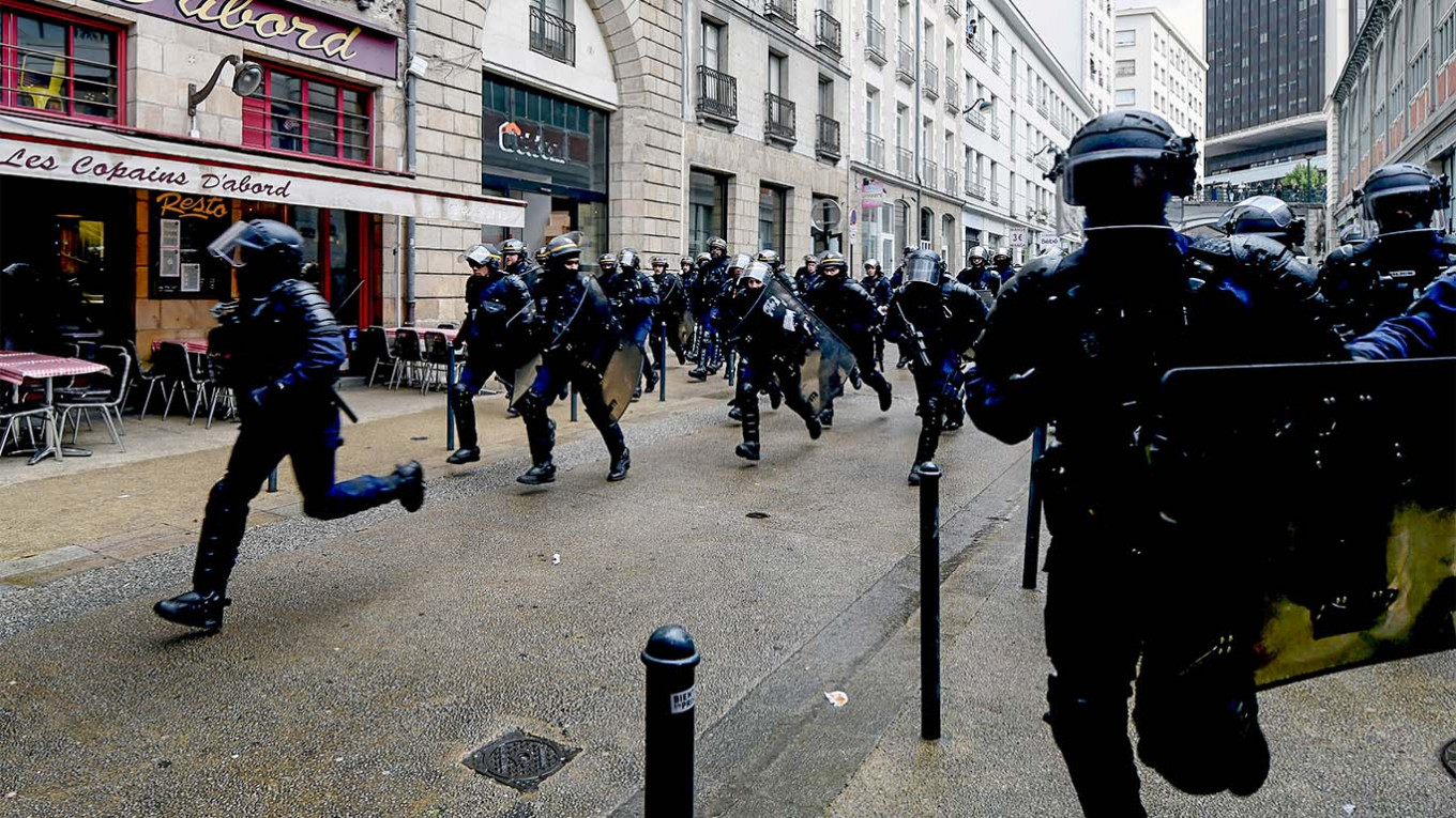 Media: police detained several people from the Chechen diaspora after the riots in Dijon