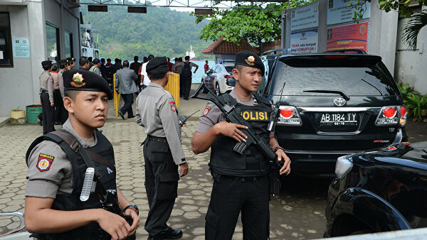 Extremists possibly related to ISIS* attacked police in Indonesia