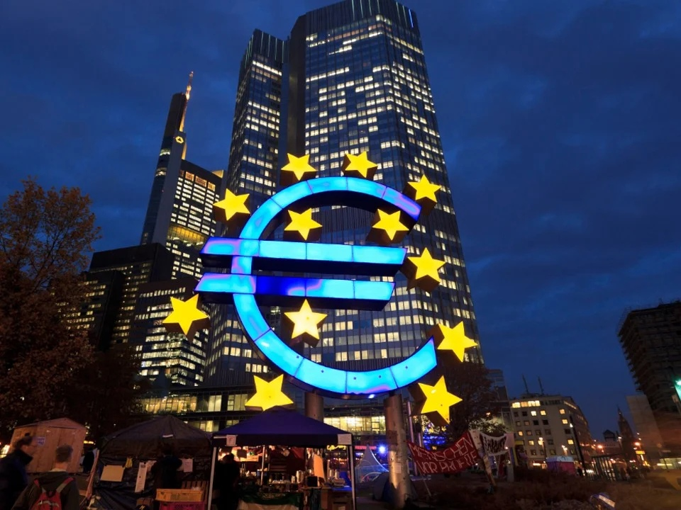 "The EU is creating a ""bad bank"" - hundreds of billions of euros will be poured in there"