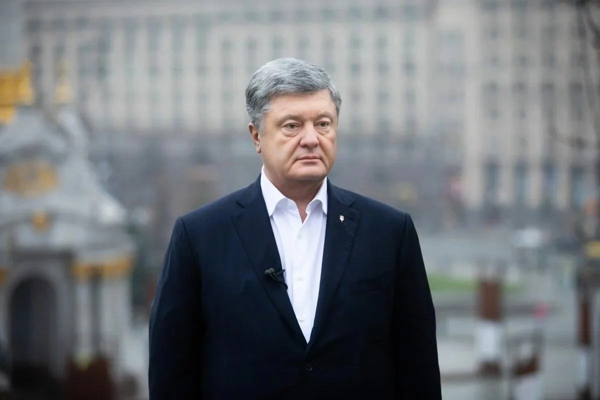 A Canadian blogger blended in for Poroshenko: he's threatening sanctions if the ex-guarantor goes to jail