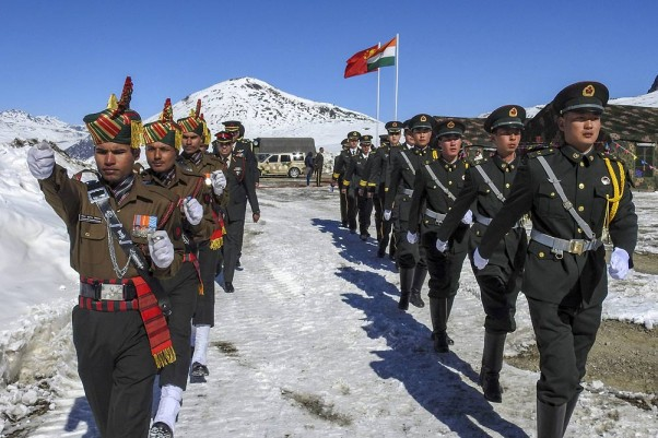 Indian Defense Minister discusses situation in Ladakh before visiting Moscow