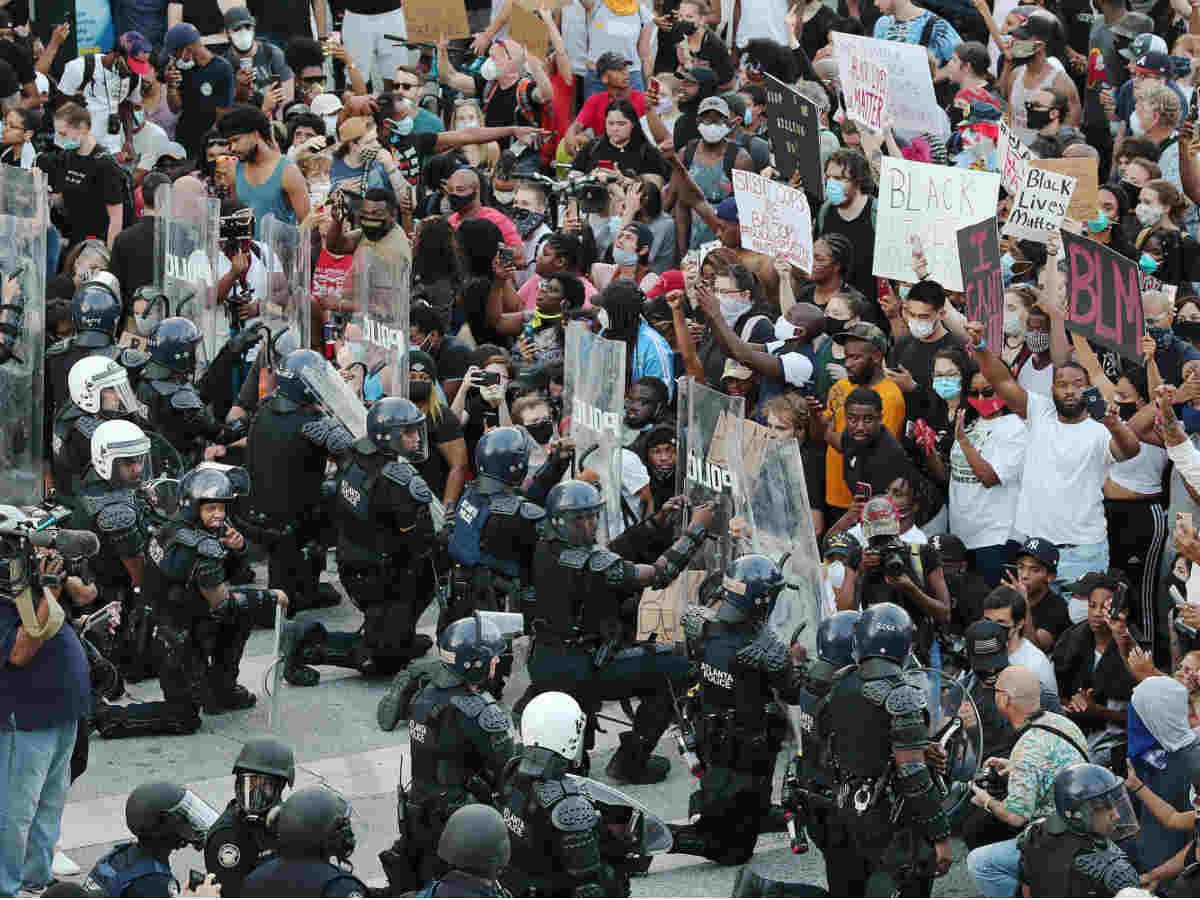Media: Seattle police use tear gas against protesters