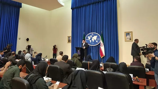 The Iranian Foreign Ministry has threatened the consequences in the event of an extension of the arms embargo