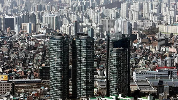 South Korean authorities will revoke licenses of two NGOs that sent leaflets to DPRK