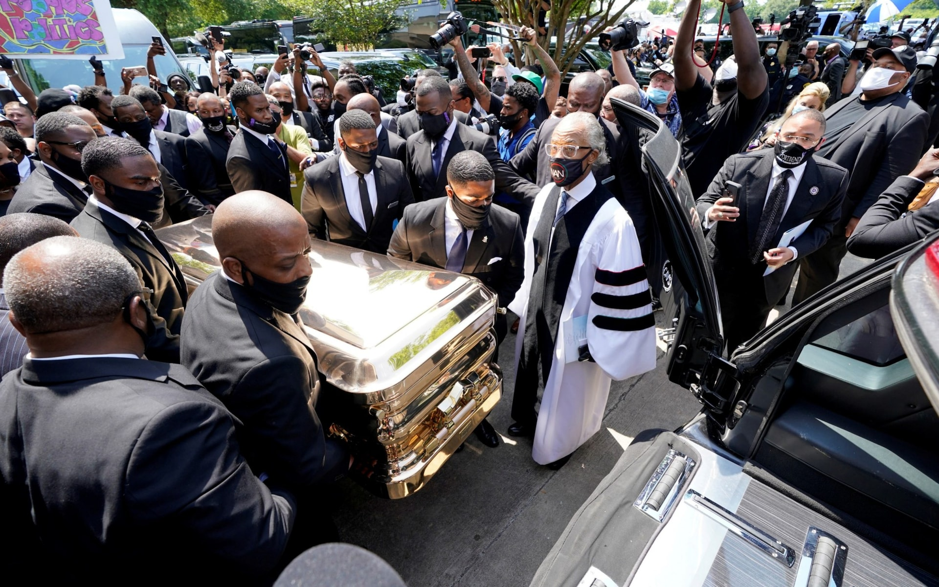 Experts say George Floyd's funeral turned into a pre-election campaign