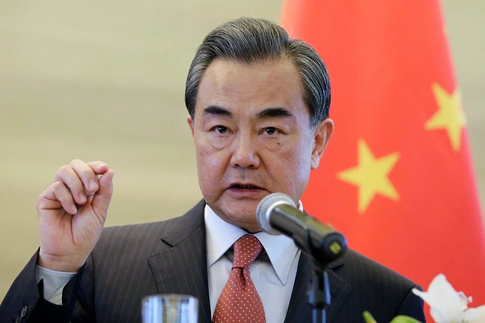 Chinese Foreign Minister urged London not to interfere in China's internal affairs