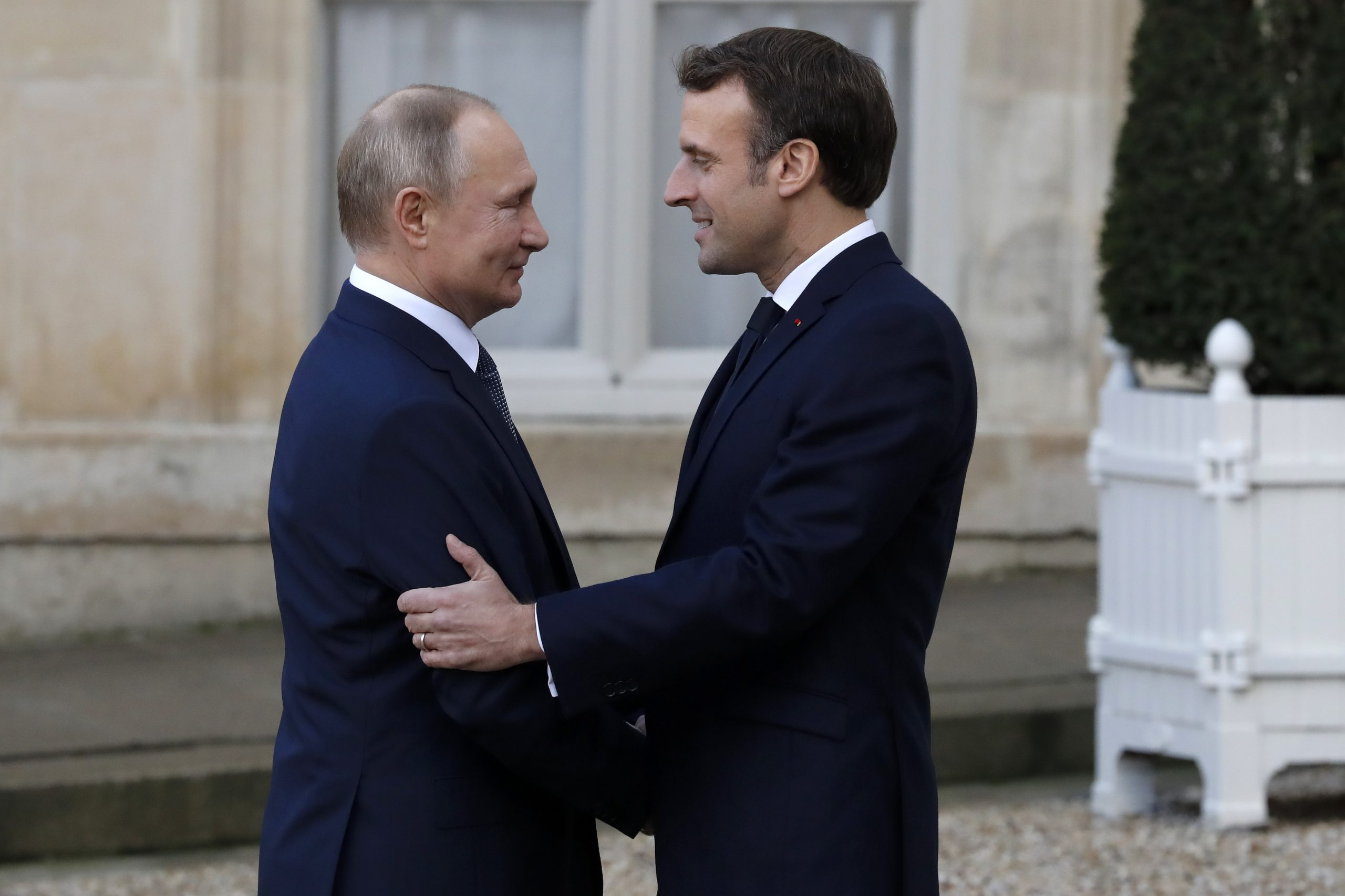 Macron stressed commitment to dialogue of trust with Russia