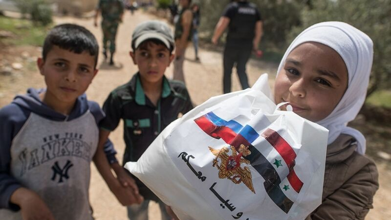 Russian military provide humanitarian assistance to residents of Syria