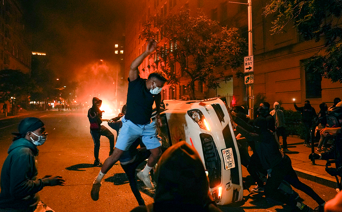 Study showed the opinion of Russians about the cause of unrest in the United States