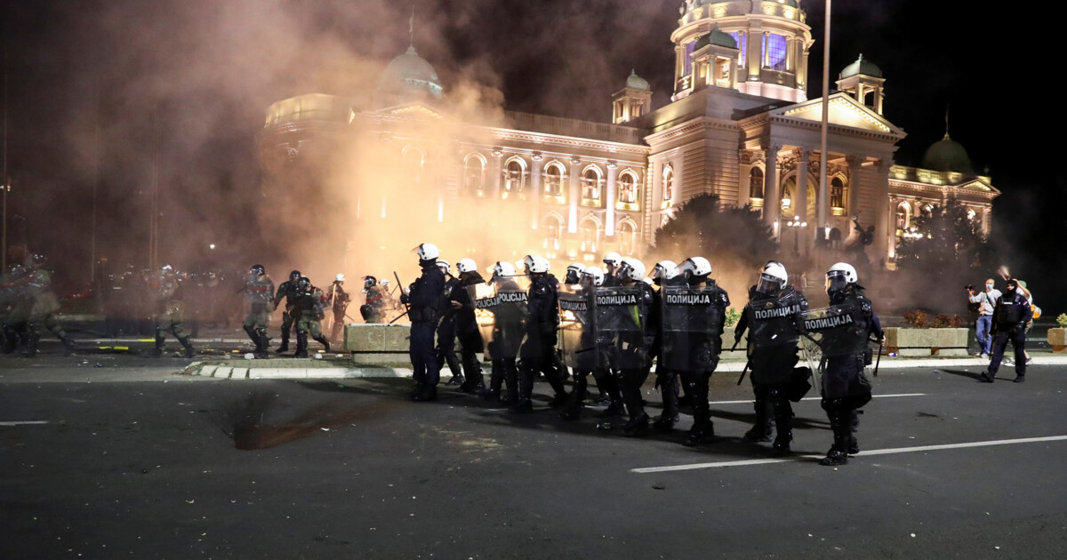 In Belgrade, protests affected 19 police officers and 17 demonstrators