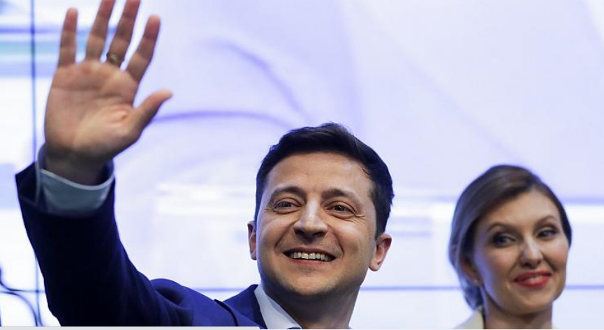 "The nation's political direction has become a concern for many Ukrainians. The message many are receiving now is very different from the one of hope and pledges of reform they put their faith in at last year's elections. In recent months, Ukrainian president, Volodymyr Zelenskyy, who was elected in 2019 on the promise of wide-reaching reforms to battle corruption and improve the economy, has sacked and replaced the government for being inept. Former prime minister, Oleksiy Honcharuk, was fired in March, along with several of his ministers, the Ukrainian prosecutor general, Ruslan Riaboshapka, and other officials. Honcharuk and Riaboshapka, who were well-regarded in the West, have since expressed their concern about the direction of Ukraine, where they feel the malign influence of powerful people on the country's economy is growing. ""Since early March, when Zelenskyy changed the government for no apparent reason with unknown people, there has been no direction in the government,"" Anders Åslund, an economist and senior fellow at the Atlantic Council, told Euronews. ""We have seen that Zelenskyy's new people have undone everything that was done before. It seems for me that it is done to restore corruption and oligarchs seem to influence this development. ""Everything is getting destroyed."" The hope for a better future which prevailed when Zelenskyy was elected has gone, he adds. Åslund is not the only one who is sceptical about what is going on inside Ukraine, where the government, he says, is turning away from anti-corruption measures and western-style reforms. The International Monetary Fund (IMF) recently provided Ukraine with a $5 billion (€4.4 billion) loan to battle COVID-19, but noted in a report that ""reforms increasingly faced resistance from vested interests, and court rulings"" were undermining ""reform progress, especially in tackling corruption and financial sector reforms""."