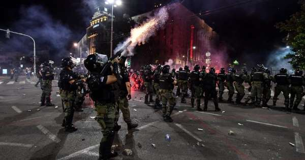 Radicals storm parliament of Serbia once again, this time successfully