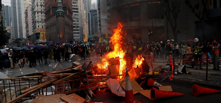 Hong Kong intends to arrest six extremists who collaborated with the United States