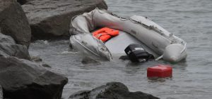 An inflatable pool and shovels instead of oars: The media told how illegal immigrants get to the coast of Britain