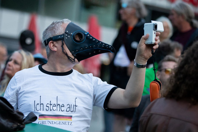 Several hundred people detained at protests in Berlin