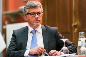 Ukrainian ambassador to Germany demands that Europe give up Russian oil and gas