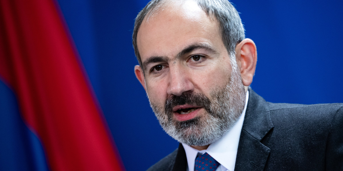Does Pashinyan have the right to ask for help from Russia?