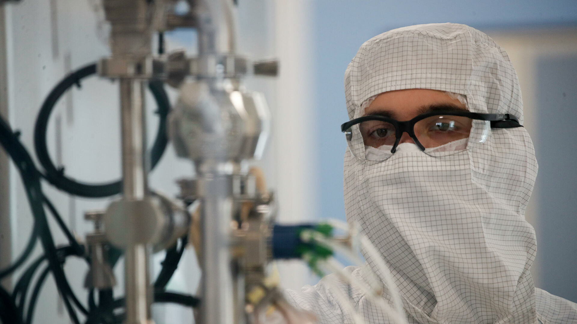 Media: AstraZeneca to supply Britain with two million doses of vaccine