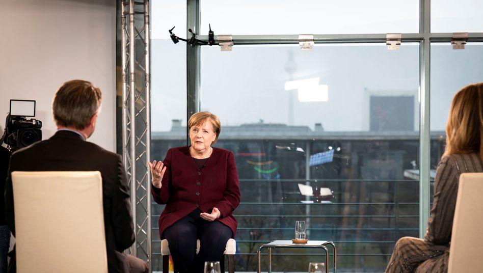 """""""We must now be very, very careful"""" - Merkel"""